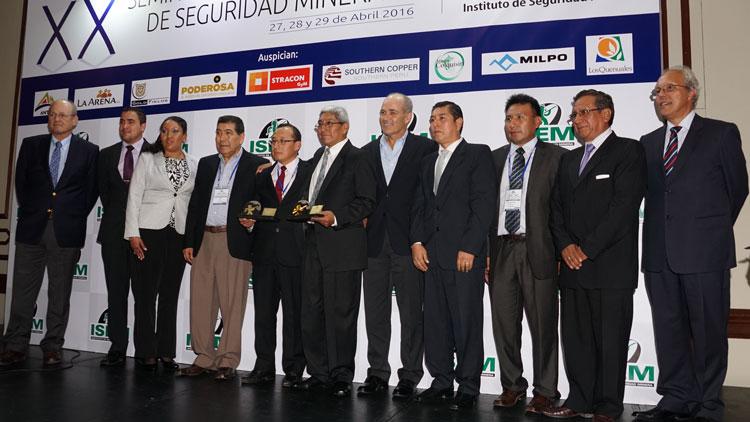 Compañía de Minas Buenaventura obtuvo el trofeo en la categoría Minería a Tajo Abierto con un empate entre Coimolache Acumulación Tantahuatay y La Zanja.