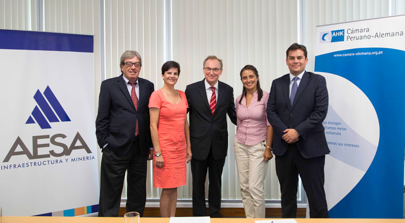 Firmaron un convenio para implementar por primera vez en el Perú el sistema de Formación Profesional Dual