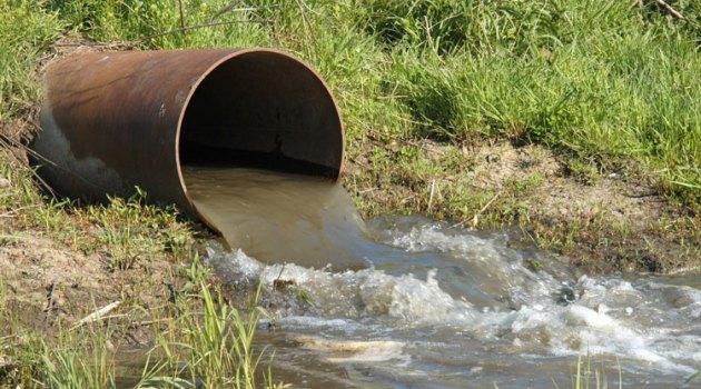 ¿De dónde provienen las aguas residuales industriales?