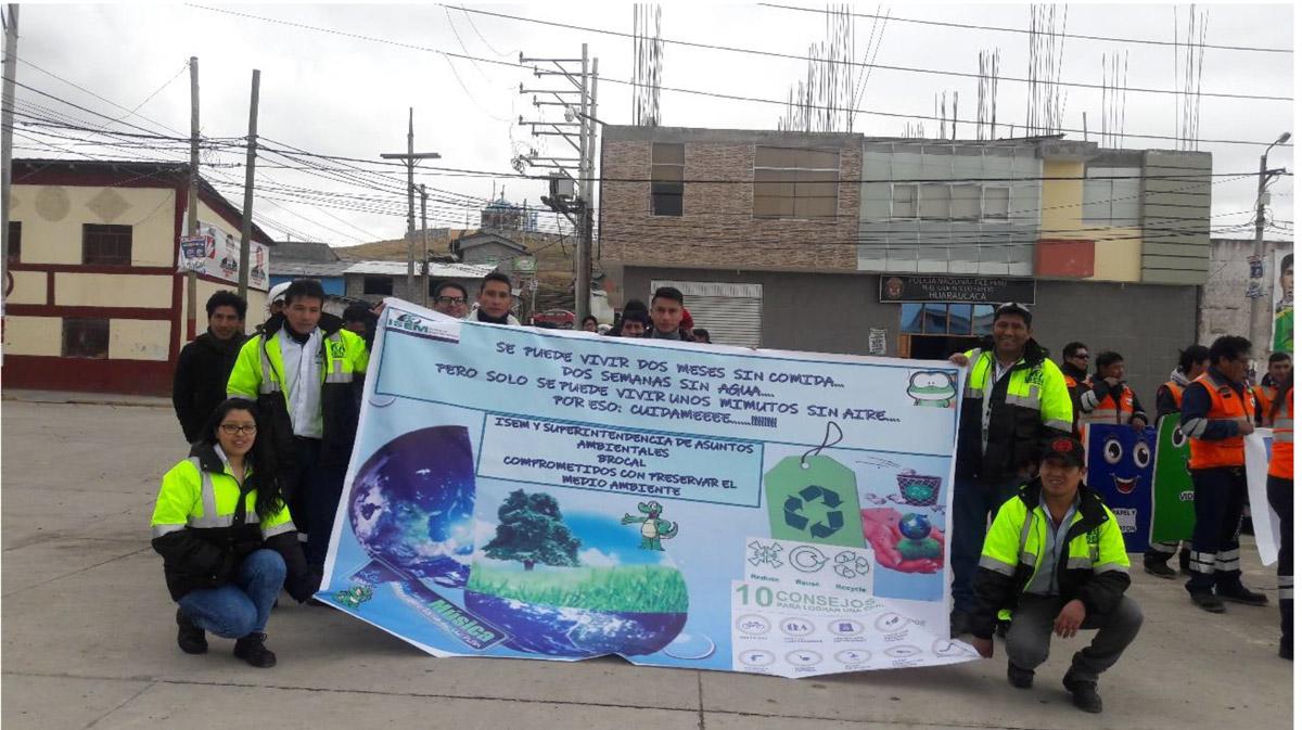 Participación en desfile por el Día Mundial del Ambiente