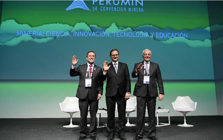 En PERUMIN estuvo el ministro de Energía y Minas, Francisco Ísmodes