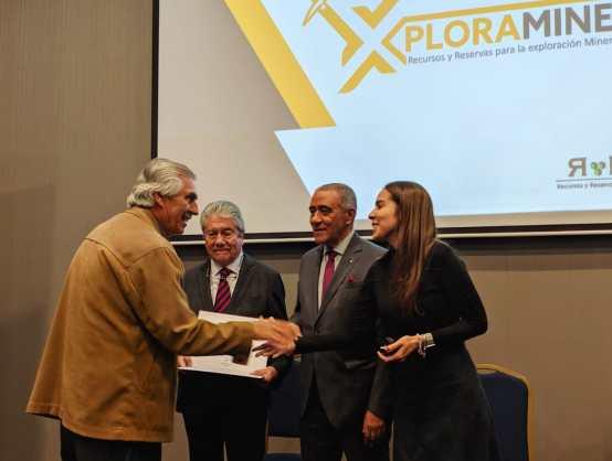 Colombia y Chile firman Acuerdo para reconocimiento de profesionales mineros-1