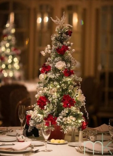 Christmas-wedding-reception-centerpiece-tree