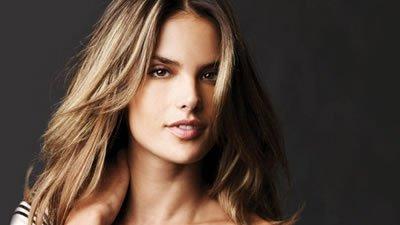 Trucos de belleza de las famosas Alessandra Ambrosio