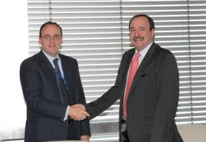 Telefónica y la FGEE impulsarán la distribución de las obras de las editoriales por Internet