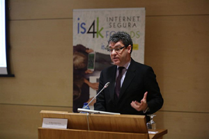 Álvaro Nadal presenta el Centro de Seguridad en Internet para Menores