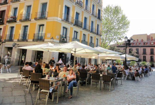 la-latina-barrio-bares-madrid-tapas4-768x525