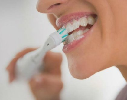 6 Tips to Brush Your Teeth the Right Way