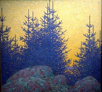 L'atmosphère nordique se caractérise par la douceur de sa lumière rasante, oscillant entre le bleu, le rose et le gris propices à la mélancolie et à l'introspection.