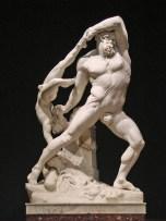 Hercule jongle entre deux mondes, le héros qui accède à l'Olympe et celui qui descend dans le monde d'Hadès