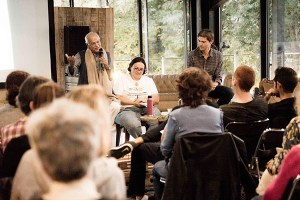 Satish Kumar rencontre associations ecocitoyennes à Bordeaux.