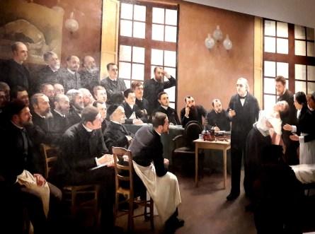 Sigmund Freud, jeune médecin, suit à Paris les cours de Jean-Martin Charcot, célèbre neurologue qui dirige la clinique des maladies du système nerveux à l'hôpital de la Salpêtrière.