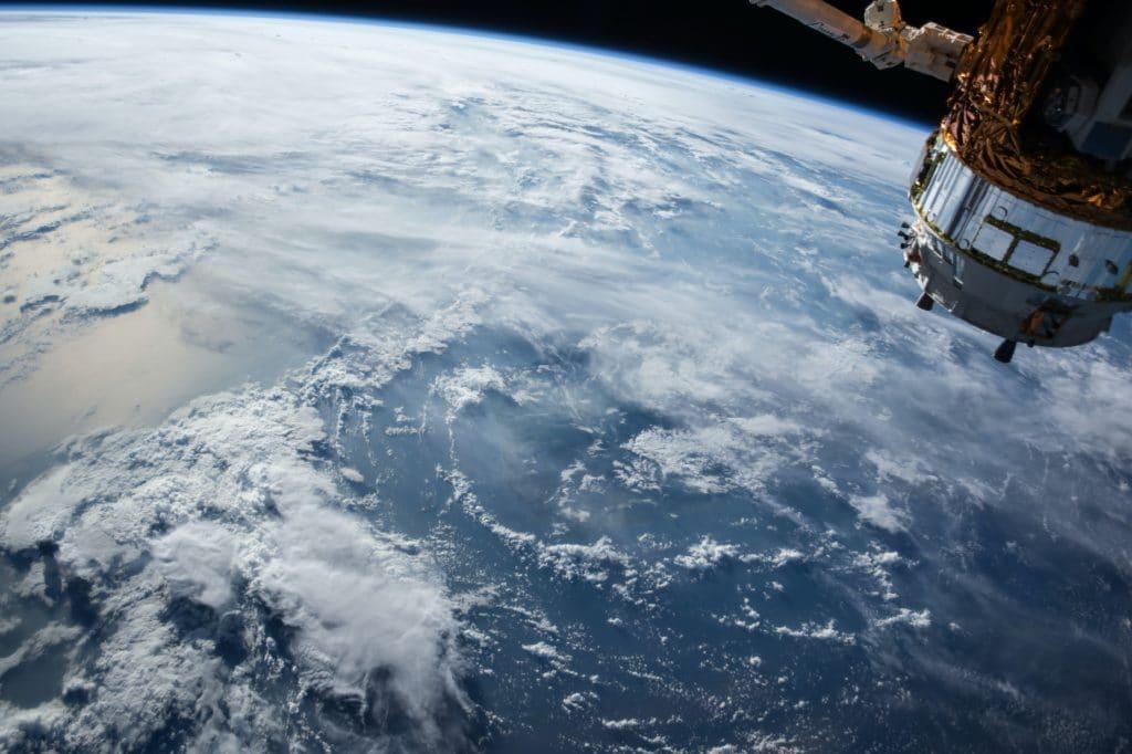 L'océan et l'espace, la troisième dimension de la géopolitique