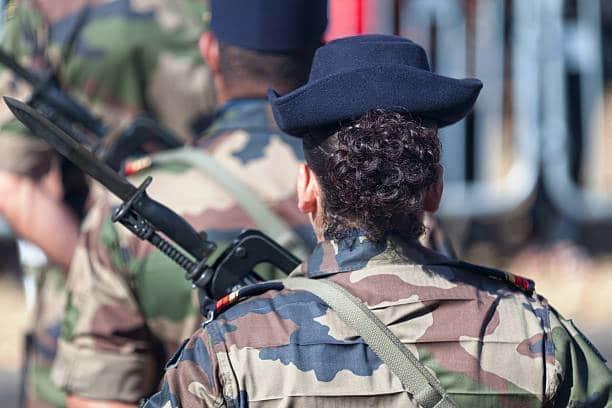 Les femmes dans l'armée et la sécurité