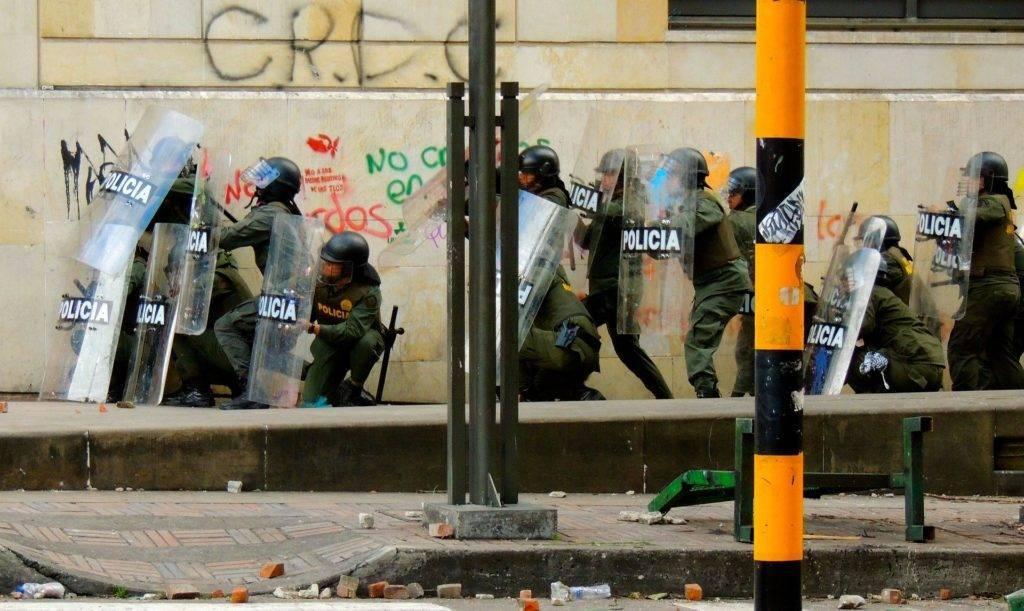 Colombie : tensions sociales et fragilité du pays. Entretien avec Cristian Rojas