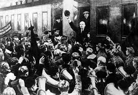 C'est sur les paroles de La Marseillaise que Lénine fut accueilli à son retour en Russie.