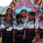 Queremos otra foto — Lourdes L. Donis Sanhueza