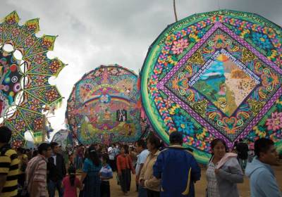 Giant kites in Sumpango (photo by Rudy A. Girón)