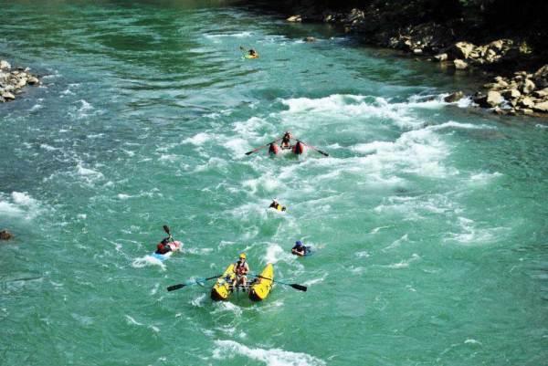 Rafting, 2012 expedition group on the río Cahabón (Alta Verapaz), photo: Luis Enrique López Argueta