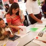 Entrega de libros por CFCE en La Antigua Guatemala, photo by Nelo Mijangos
