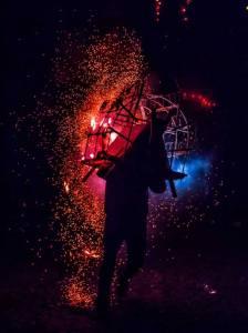 Posición/Position: 1er lugar / 1st place Premio: 1 vale por Q300 para comer en El Sereno Tema/theme: Tradiciones en Guatemala / Guatemalan Tradition Título/title: Quemando al torito Lugar/place: San Juan del Obispo, Sacatepéquez Autor/author: Ronald Pérez