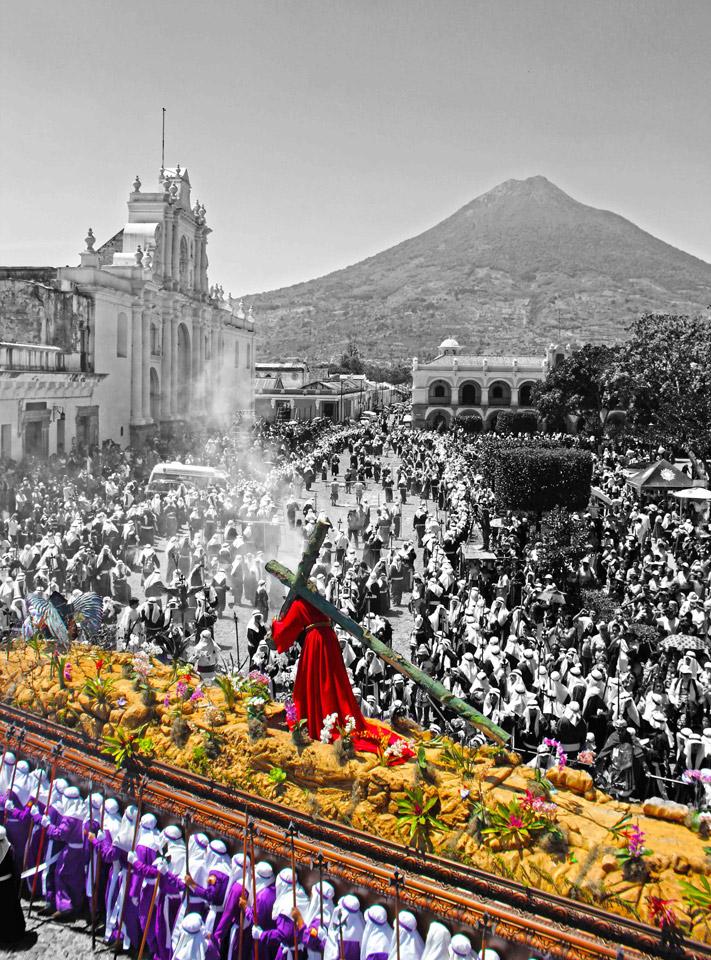 "1st place: ""Camino al Calvario"" by Luis Antonio Ortiz Prize: Q200"