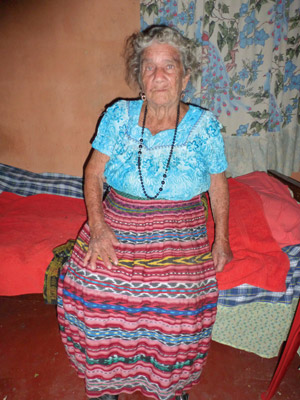 Guatemala midwife