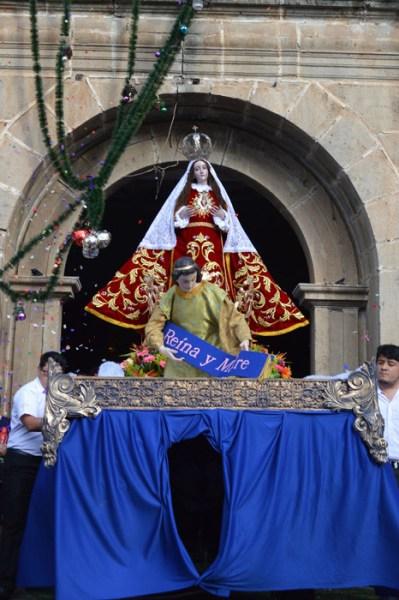 """Virgen de la O"" Procession on Christmas Day"