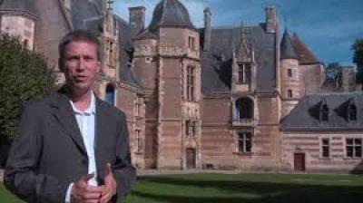Alexandre Cuomo , créateur du Festival Coeur de France devant le Château d'Ainay le Vieil