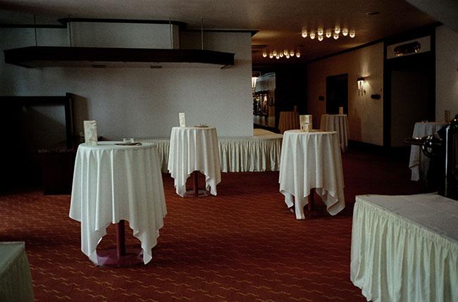 frank_horvat_kiel-a-hall-hotel-1999