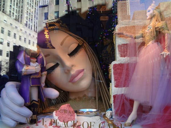 shop windows for christmas 001