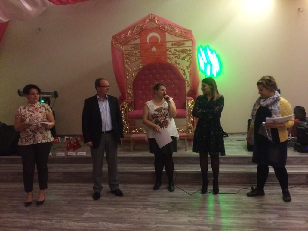 160 Presenting certificates