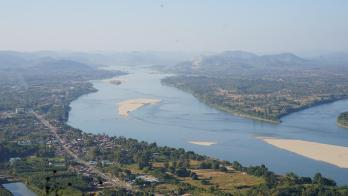 Drought, Dams Cause Mekong River in Laos to Turn Unhealthy Blue