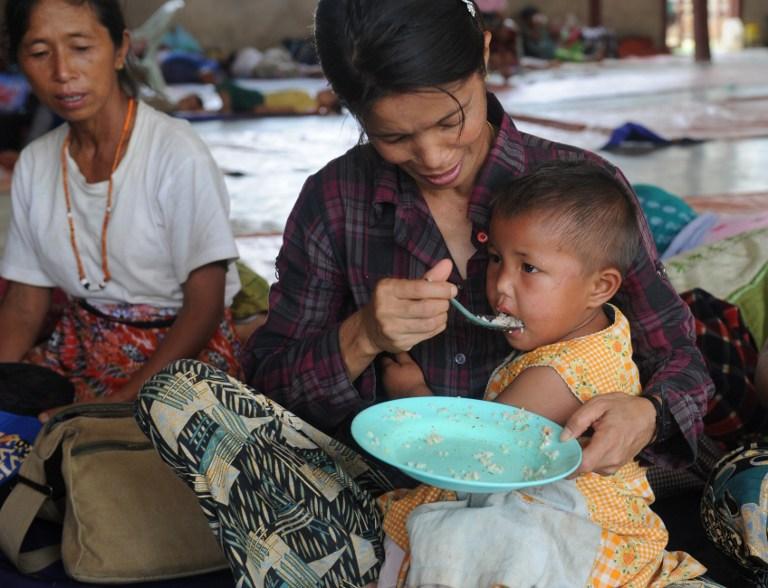 Thousands Flee Fighting in Myanmars Kachin State