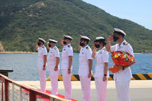 British naval officers at the welcoming ceremony for HMS Richmond at Cam Ranh port, Oct. 1, 2021. Credit: Twitter feed of UK Embassy in Hanoi.