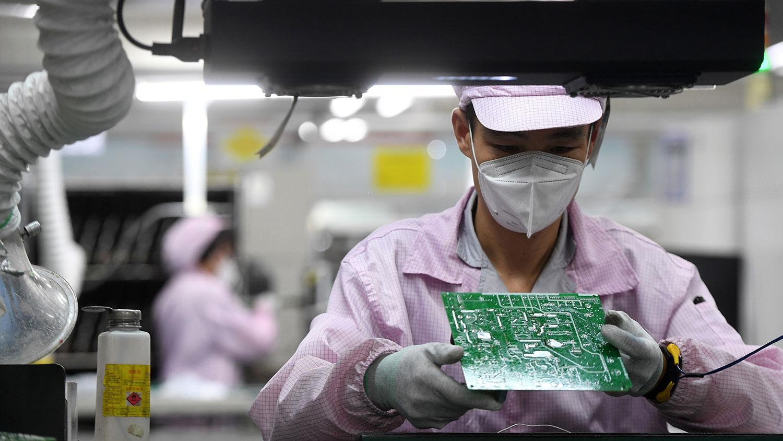 中国经济增长成果被国企夺走   学者:反映国进民退