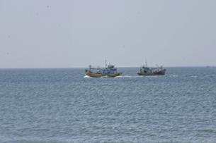 Do ít được bảo vệ một số tàu cá Việt Nam thường đi hai chiếc hầu bảo vệ cho nhau. Ảnh minh họa RFA