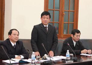 """Ông Lê Văn Hiền: """"Khi hết thời hạn thuê đất mà chủ đầm không trả thì cưỡng chế"""" (ngày 12/1/2012). Source dantri-online"""