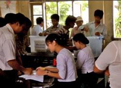 Trong một phòng bỏ phiếu tại Miến Điện. RFA