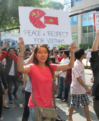 protest-against-china-06052011-200.jpg