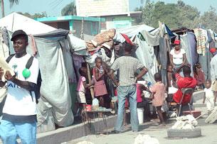 Đời sống ở Tent City giữa thành phố Haiti đổ nát