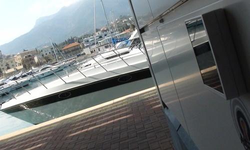 Marina di Loano: controllo accessi RFID ai servizi del marina - RFID HF reader wall mount MAX50.10-RE