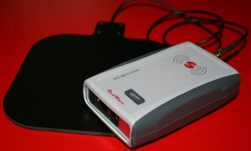 ID RED.MR50-E - Ethernet RedWave Short Range Reader RFID & NFC HF Multi ISO per antenna esterna