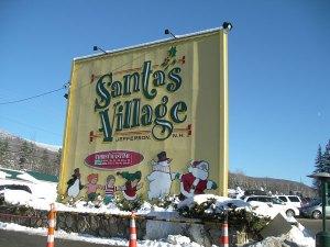 「サンタの村」というアミューズメントパーク。楽しかったけど、寒いのなんのって!