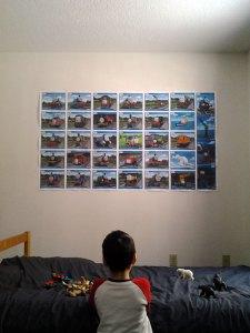 特大ポスターを子供たちの部屋に貼ってみたよー。これで夜泣きなくなると良いけど。。。