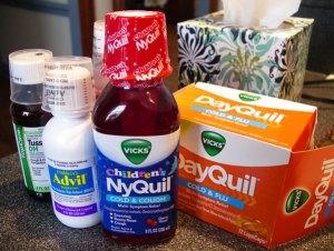 こんなに薬の世話になったのも初めて。それにしても、こっちの風邪薬ってなんでマズイの?
