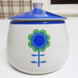 お花ふたつパターンと一個パターンが描かれてます。