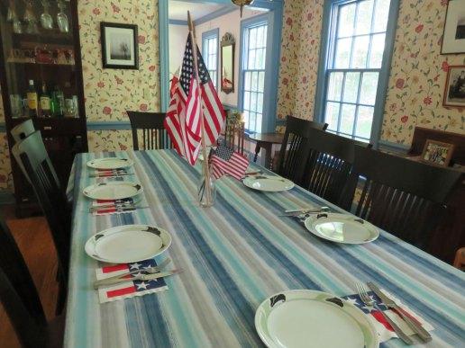 独立記念日は親戚を招いてステーキを頂きました。