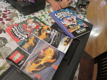 誕生日ではもちろん大好きなレゴと本ももらったよ。