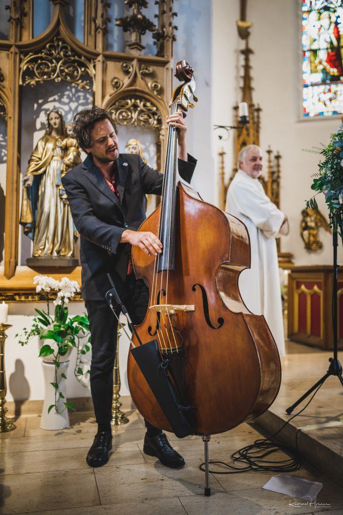 Remo und Aina 41 683x1024 - Hochzeit Aina und Remo